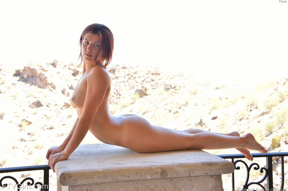 Cute girl completely naked