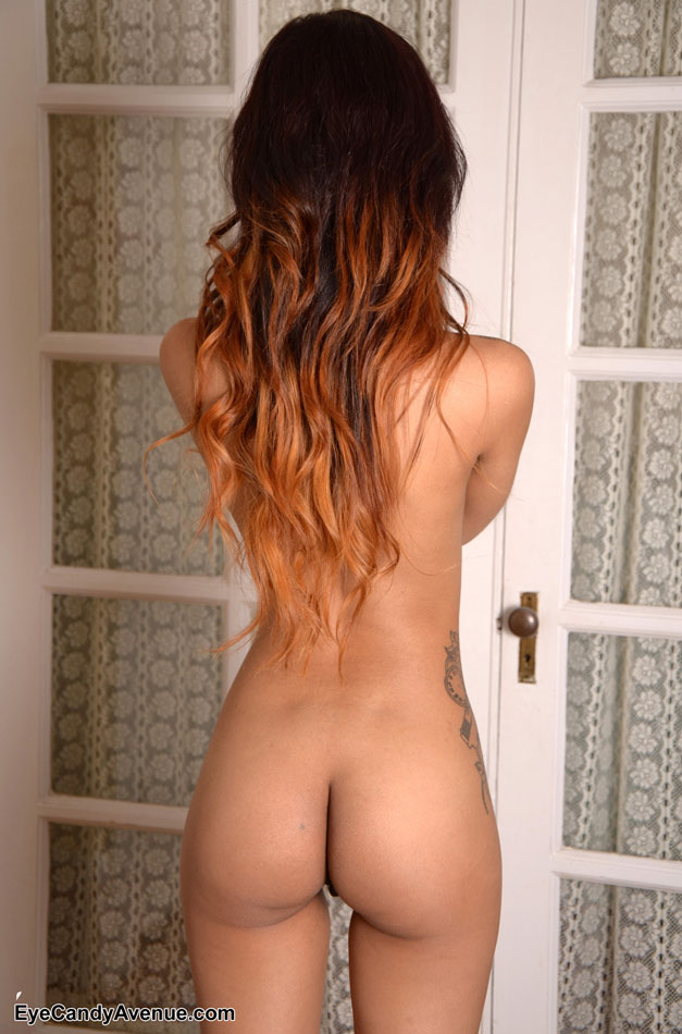 Petite girl nude from behind